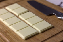 Breek de chocoladereep in tweeën