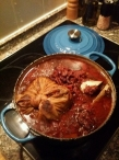 De groenten, bonen en vlees na 5 uur stoven