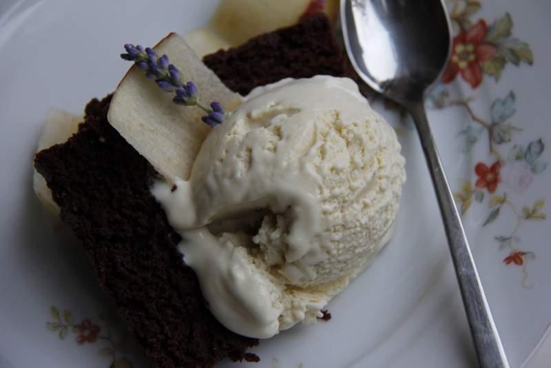 Lavendelijs met brownie