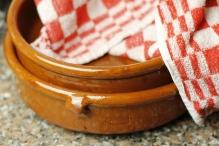 Zet schalen klaar voor de pannekoeken truc