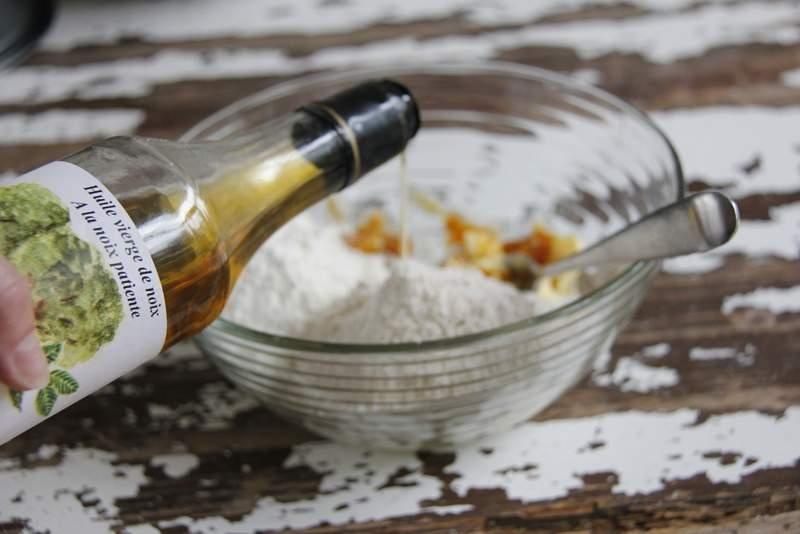 afbeelding 21_appeltaart-recept_voeg-20-ml-walnotenolie-toe-jpg