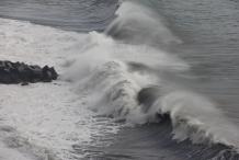 image 20111024-la-palma-puerto-de-tazacorte-3-hoge-golven-jpg