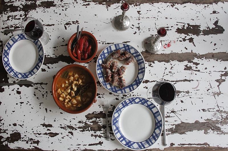 image 14_gevulde-dadels_lekker-gerecht-als-onderdeel-van-een-tapas-menu-jpg