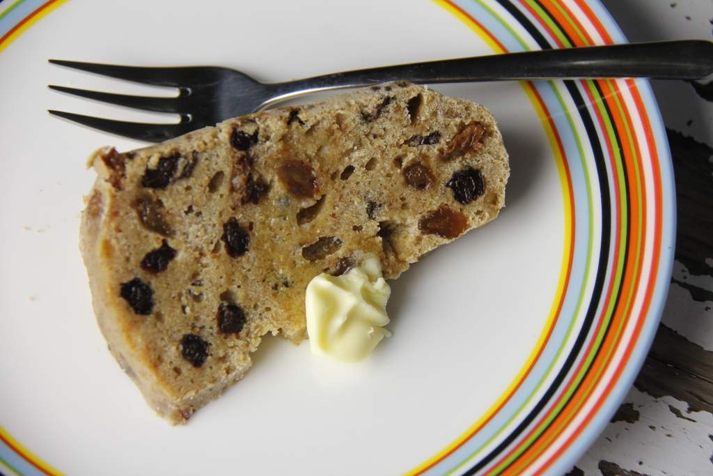 image 35_friese-boffert-trommelkoek_serveer-de-boffert-warm-met-een-klontje-echte-boter-2-jpg