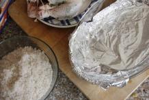 Zet een ovenschaal klaar met aluminiumfolie
