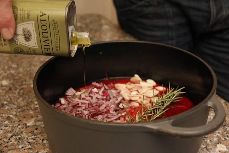 afbeelding lasagne-06-voeg-een-scheut-olijfolie-toe-jpg