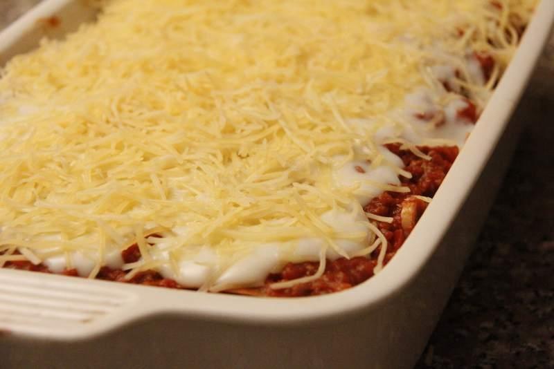 afbeelding lasagne-21-lasagne-voordat-hij-de-oven-in-gaat-jpg