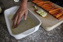 bestrijk de bodem met olijfolie