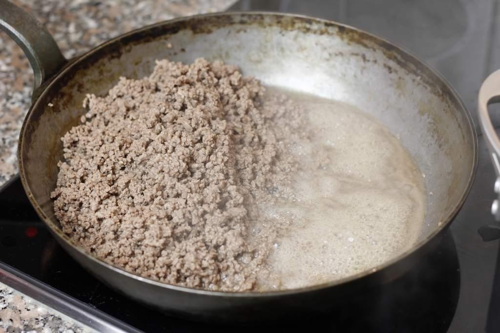 image 12-pasta-bolognese-schuif-gehakt-opzij-jpg