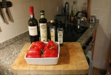 Ingrediënten: Rode paprika, rode port, olijfolie, balsamico, witte wijnazijn, peper en zout