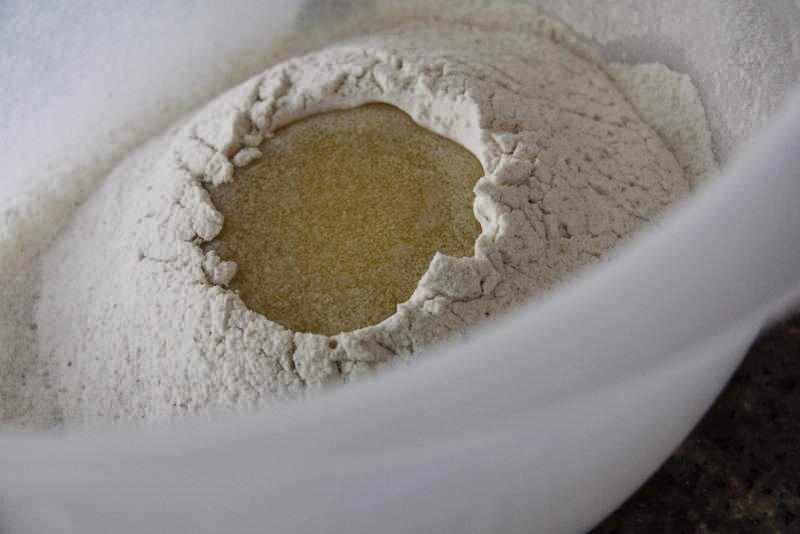 afbeelding 2-8-giet-de-boter-in-de-kuil-jpg