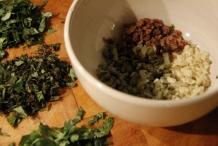 Doe de ingrediënten in een kom