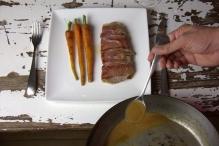 image 19-saltimbocca-schep-saus-over-de-saltimbocca-jpg