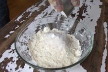 Voeg 25 gram suiker toe
