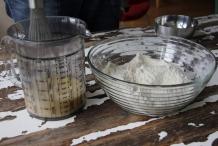 Mix het ei en de melk
