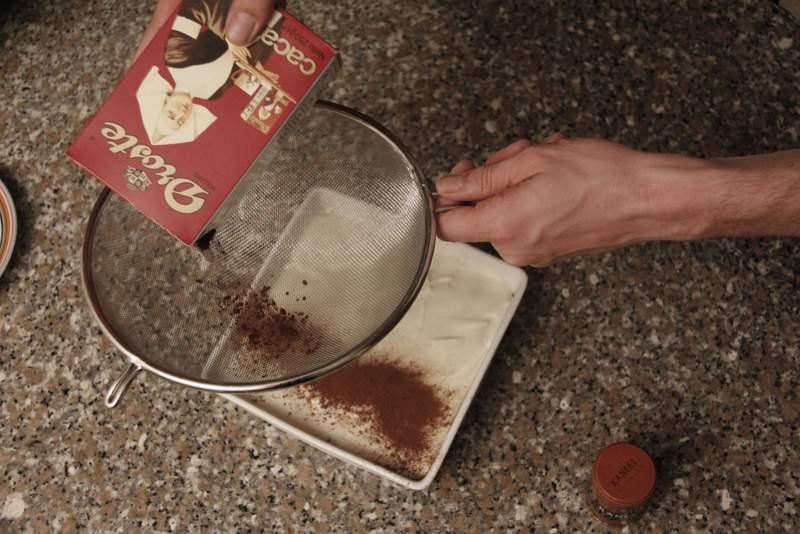 afbeelding 35-tiramisu-strooi-er-cacao-over-jpg