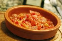image 0_maak-de-tomaten-salsa-en-zet-deze-liefst-nog-een-nachtje-in-de-koelkast-jpg