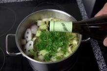 image 09-vitello-tonato-voeg-wijn-toe-jpg