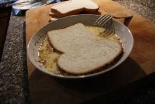 Leg de 1e boterham in het beslag