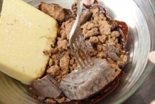 Smelt de cacaoboter en cacaopasta