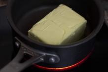 image 2-zelf-ghee-maken-doe-de-boter-in-de-pan-jpg