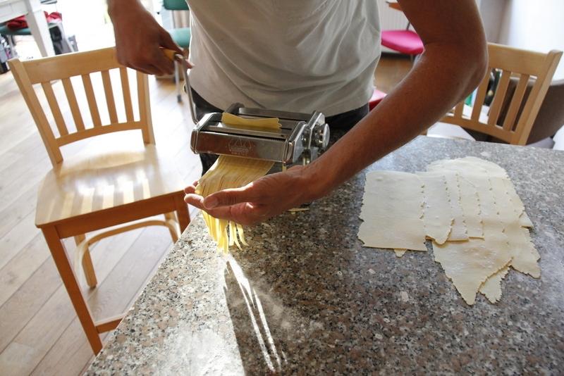 image 27a_kies-de-spagetti-of-tagliatella-stand-en-haal-de-pastavellen-erdoor-jpg