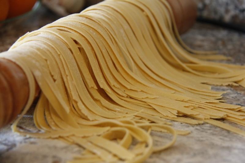 image 28_hang-of-leg-de-pasta-slierten-op-een-plek-waar-ze-niet-in-de-knoop-kunnen-raken-jpg