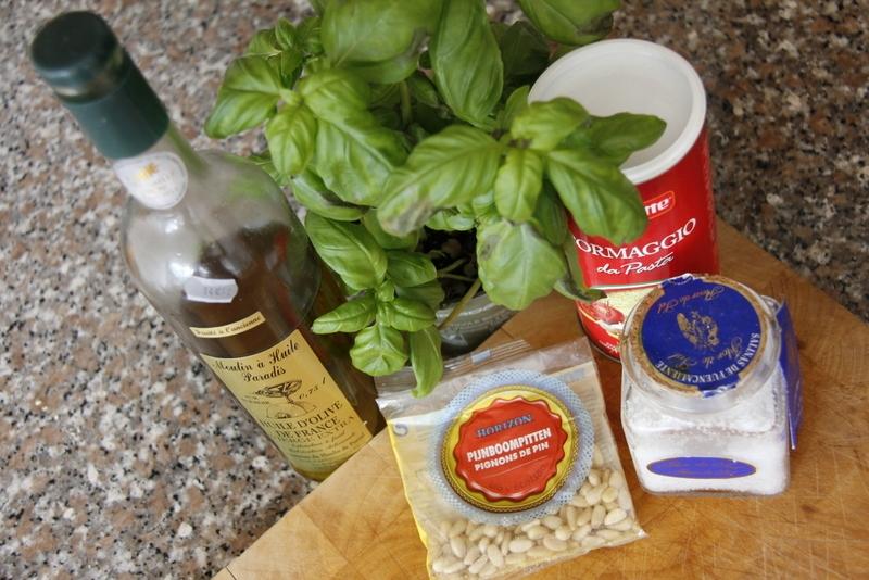 afbeelding 01-ingredienten-van-pesto-jpg